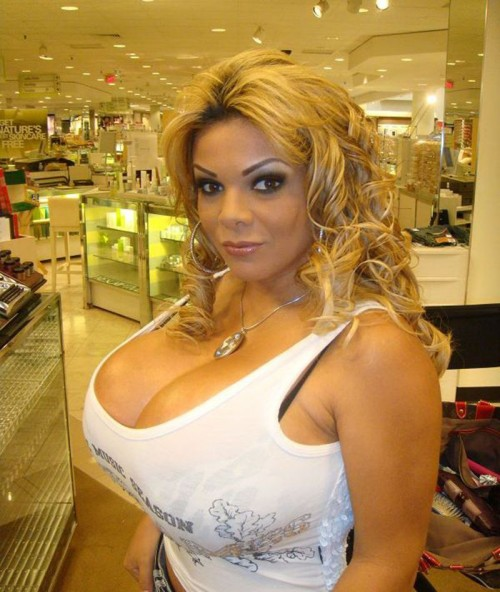 Die plastischen Operationen auf die Brust und die Nase